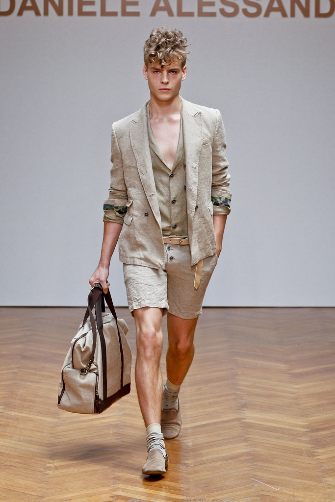 SS13 Milan Daniele Alessandrini022_Adam Prucha(fashionising.com)