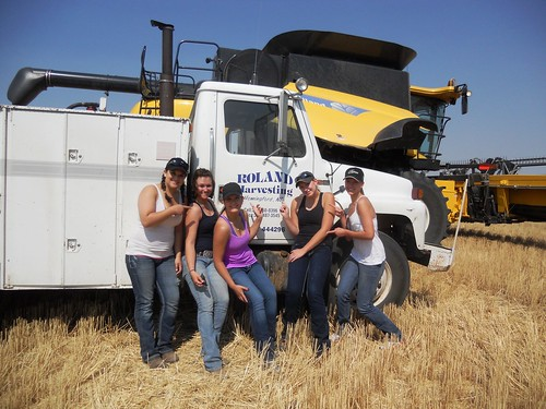 Kellyn, Lara, Kylie, Megan and Darci show Roland Harvesting some love