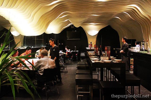 Cova Tapas Y Sangria Dining Space