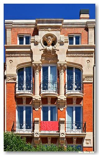 Edifício arte nova em Burgos by VRfoto