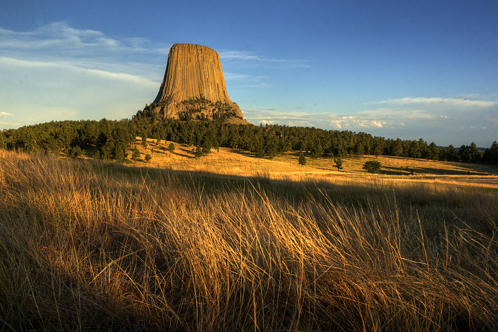 devils tower girls First stories there are numerous stories about the tower passed down through american indian culture  max big man was questioned about the tower he explained: the indians called the devils tower bear's tipi or bear lodge, because so many bears lived there  seven little girls were playing at a distance from the village and were.
