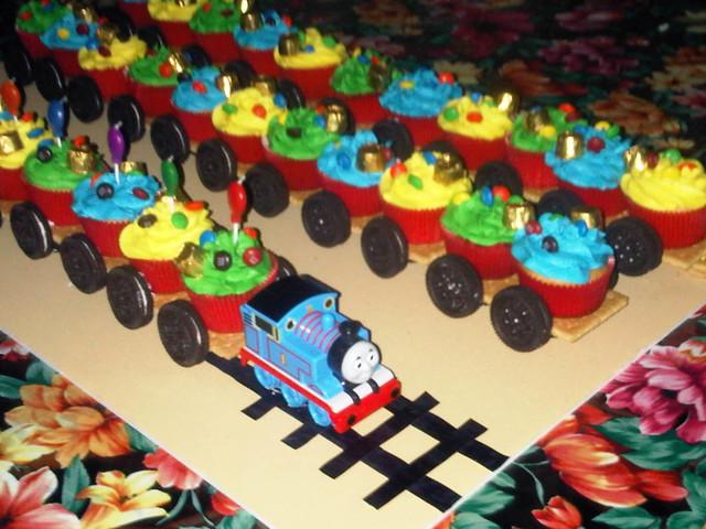 Train Cupcake Cake