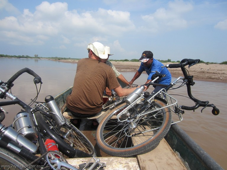 River crossing, Aqua Verde to Chametla, Sinaloa