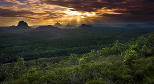 trees sunset sky mountains clouds sunrise canon fence high ray view dynamic australia lookout plantation queensland glasshousemountains aussie range glasshouse hdr sunshinecoast sunray godrays 500d rhyspope