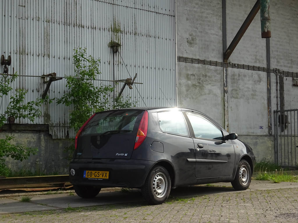 2001 FIAT Punto HLX