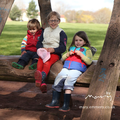 Children on the oak seat