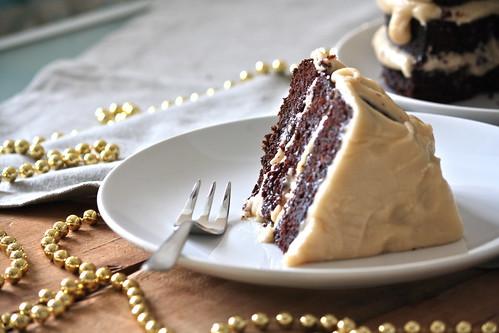 Torta triplo strato al cacao e caramello