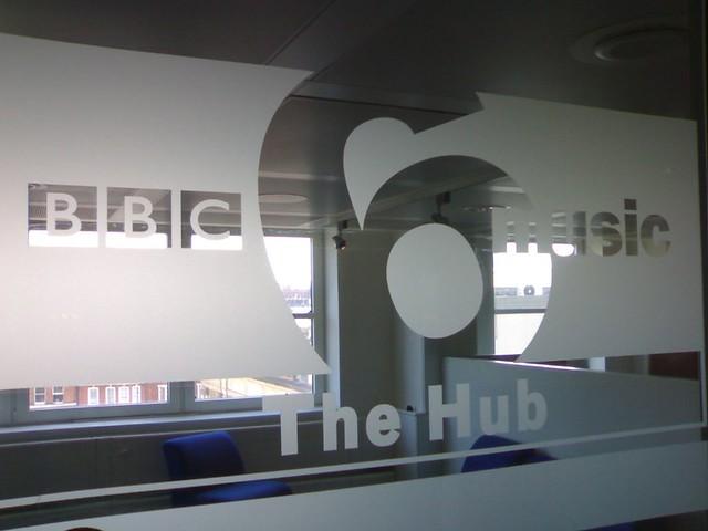 6 Music Hub