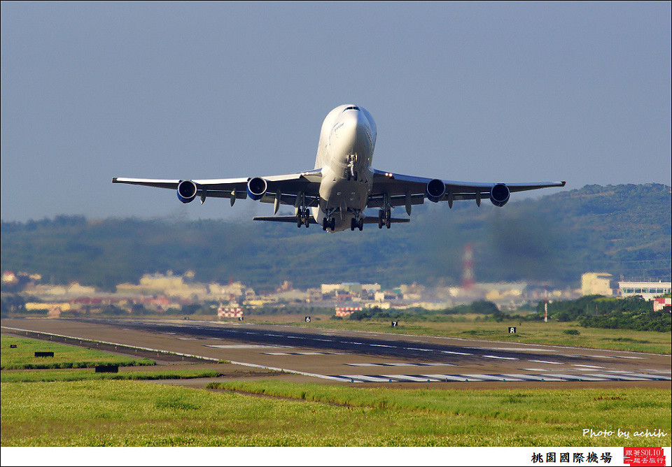Boeing 747-409(LCF) Dreamlifter N747BC 009