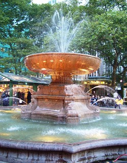 Bryant Park, NYC (by: Beyond My Ken, creative commons license)