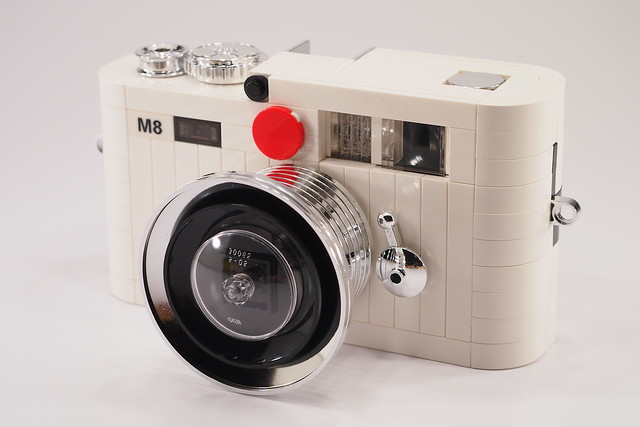Lego Leica M8 - white edition