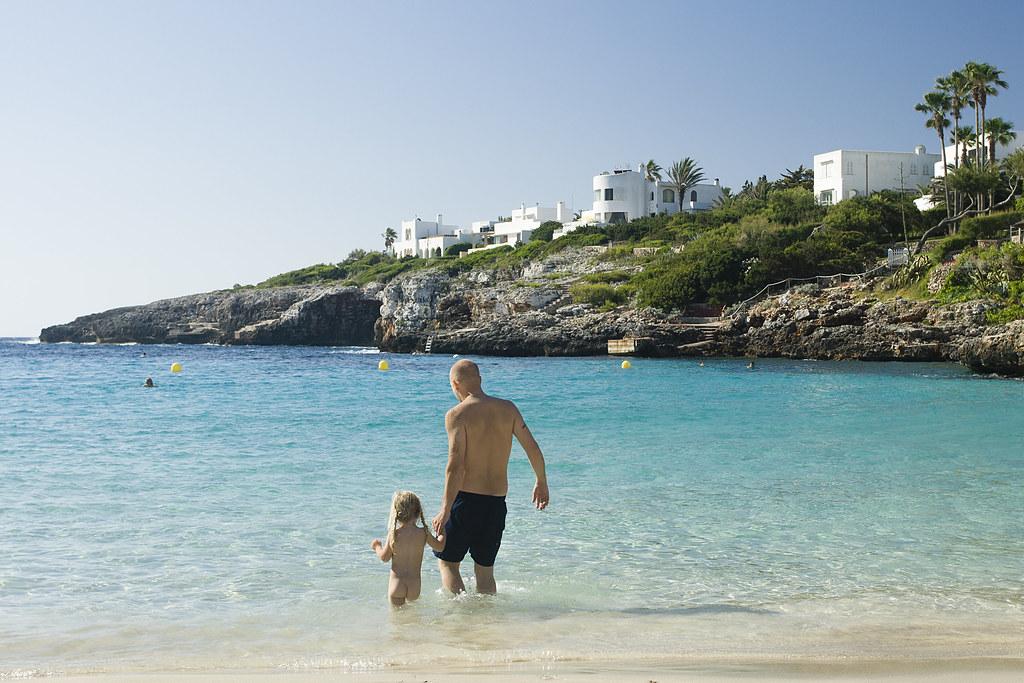 Nude girl with Daddy - Cala Esmeralda - Mallorca