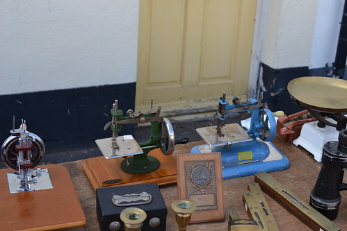 tiny sewing machines