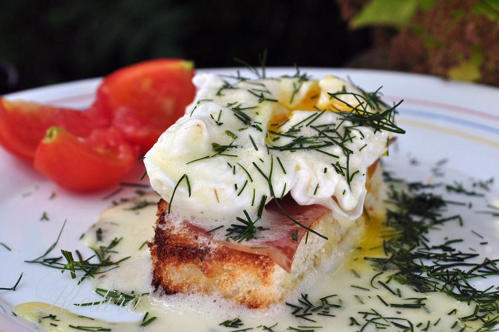Яйца Бенедикт + соус