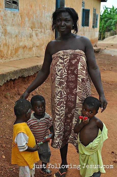Homabenase, Ghana 2.jpg