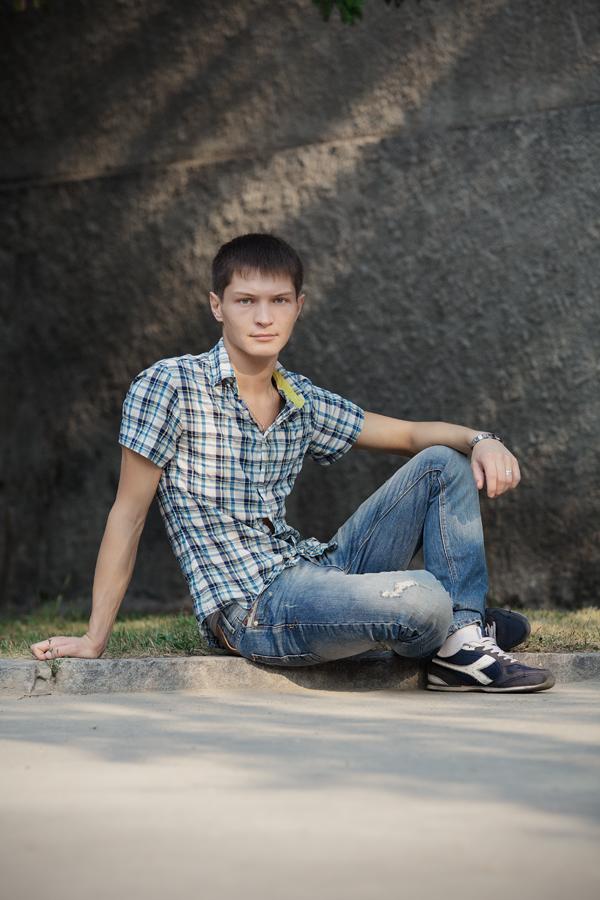 Фотосессия мужчины в городе, места для мужских фотосессий, фотосессии парней, прогулочная фотосессия, фотосессия в городе Новосибирск