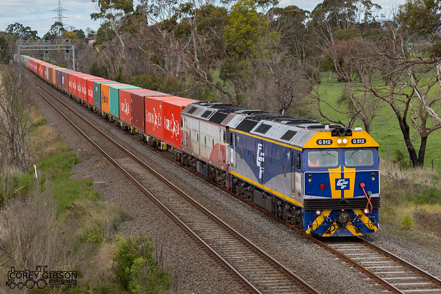G512 & G521 depart Morwell with the paper train.