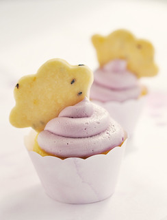 La La Lavender & Lemon Cloud Cupcakes Duo