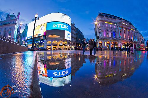 London Piccadilly Reflection by david gutierrez [ www.davidgutierrez.co.uk ]