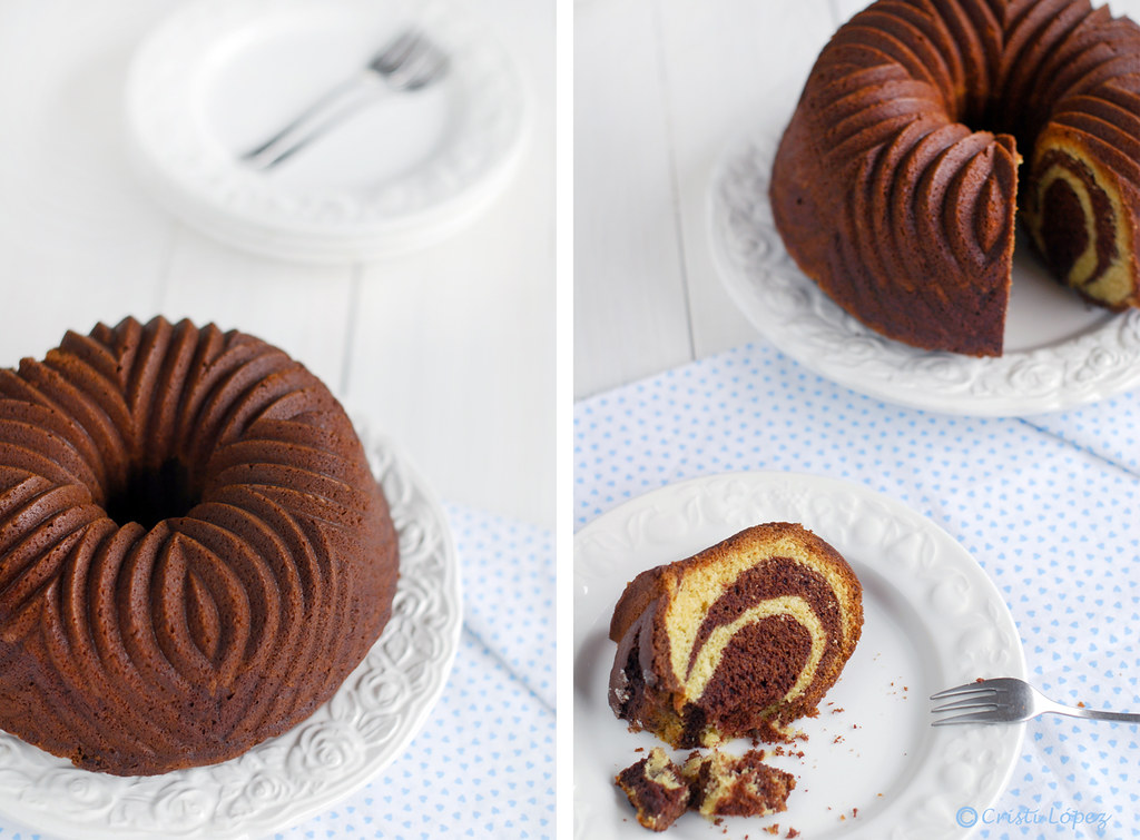 Black and white chocolate bundt cake (Bundt de chocolate blanco y negro)