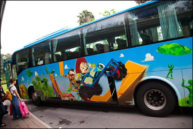 disneyland-shuttle-bus