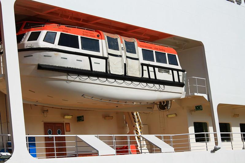 Lifeboat - Paquebot Silver Whisper dans le Port de la Lune, Bordeaux - 10 mai 2012