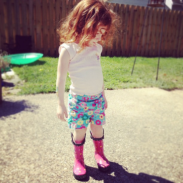 Even helping me in the yard is a fashion moment.