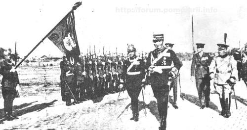 Trecerea în revistă a Companiei de pompieri militari de către MS Regele Carol al II-lea -1934