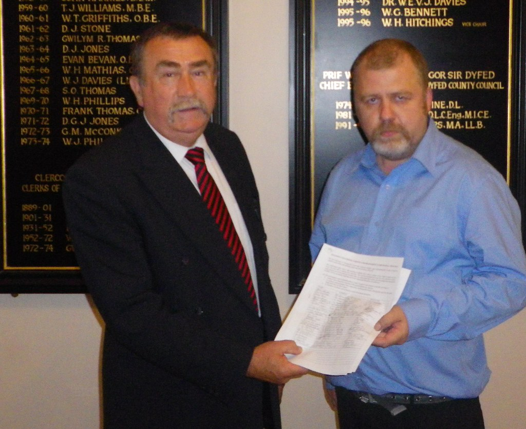 Cllr_Colin_Evans_with_Petition. (2)