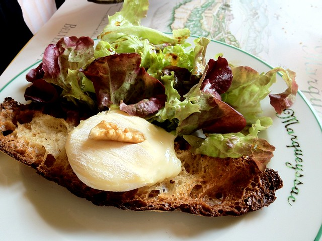 Soft goat cheese with levain and salad at Chateau Marqueyssac