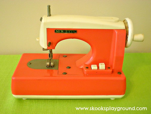 Sewette Toy Sewing Machine
