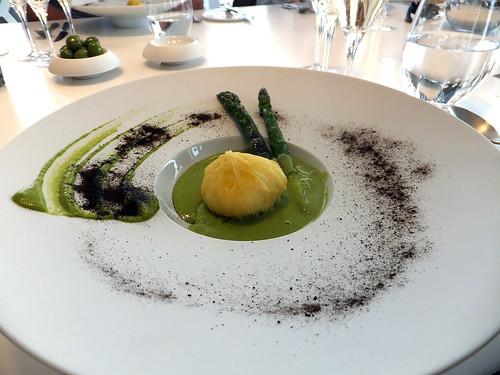 Asparagus, egg and burnt onion
