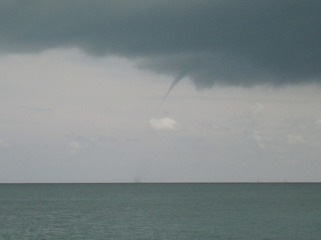 water spout develops
