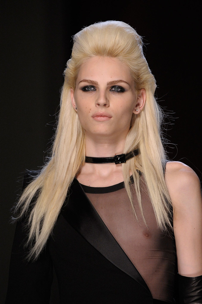 Andrej Pejic3314_FW12 Paris Jean Paul Gaultier Haute Couture(stylebistro via AriLove@TFS)