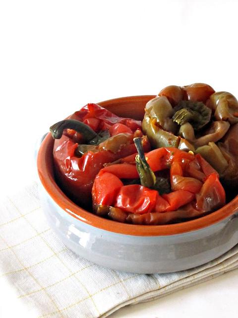 Peperoni Ripieni di Seitan, Olive e Asiago