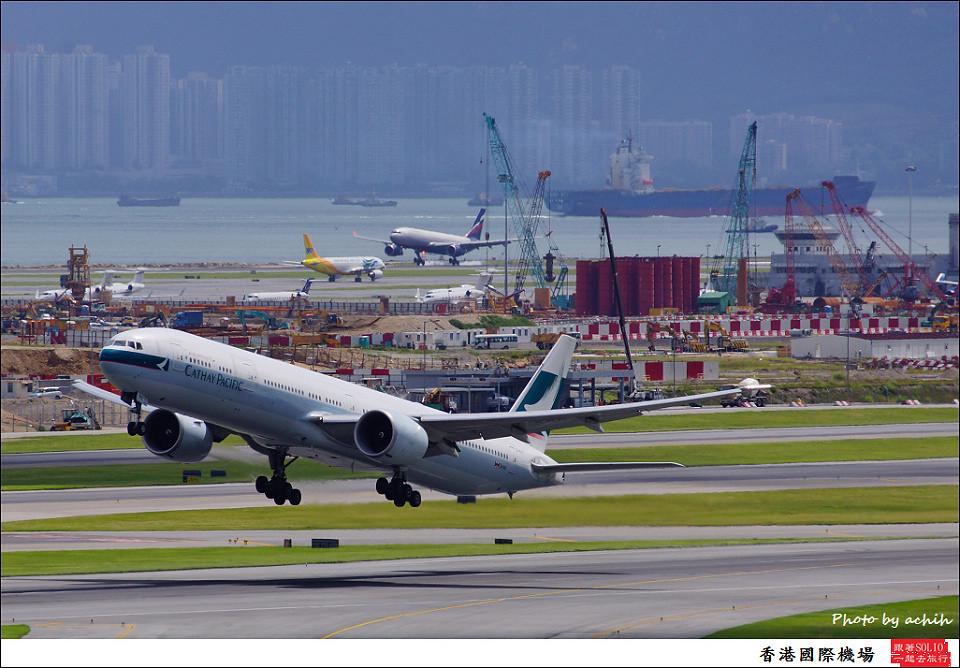 Cathay Pacific Airways / B-KPC / Hong Kong International Airport