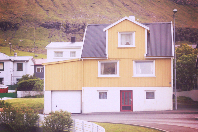 faroe yellow house