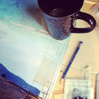 Using this morning's coffee to create real coffee rings on the new painting... as is ever so, on the road ;)