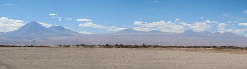 Le désert d'Atacama: retour de la Valle de la Luna. Le volcan Licancabur et ses acolytes.