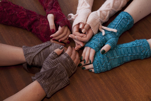 Soakbox: may your nails match your knits. #2