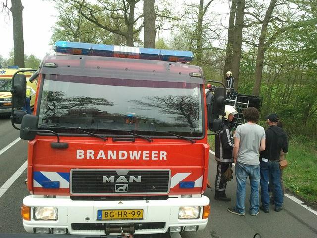 2012-04-28_Aanrijding_Groenloseweg-Mark (1)