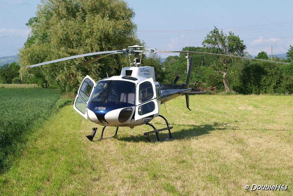 Baptême d'hélicoptère @ Lempdes le 28/05/2012 7172449337_6f7ecfd607_b