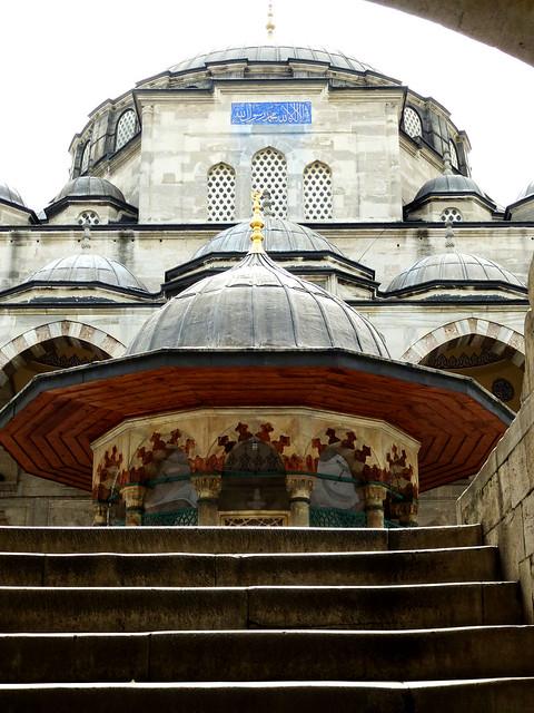 Istanbul - avril 2012 - jour 4 - 003 - Sokollu Sehit Mehmet Pasha Camii