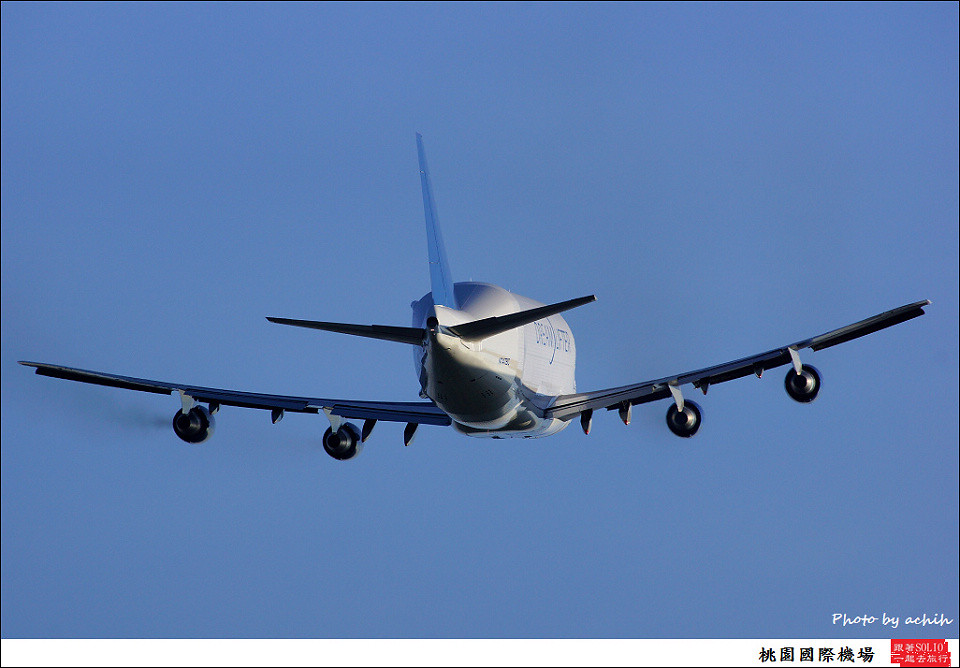 Boeing 747-409(LCF) Dreamlifter N747BC 016