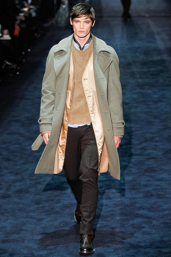 Conrad Leadley3007_FW12 Milan Gucci(VOGUE)