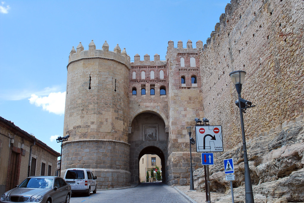San Andres Gate, City walls, Segovia, Castilla y León, Spain