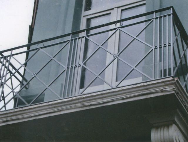 Balcon en fer forg r alis par l 39 atelier de ferronnerie for Fer forge balcon