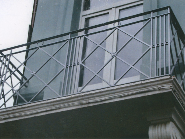 balcon en fer forg r alis par l 39 atelier de ferronnerie yasar bruxelles flickr photo sharing. Black Bedroom Furniture Sets. Home Design Ideas