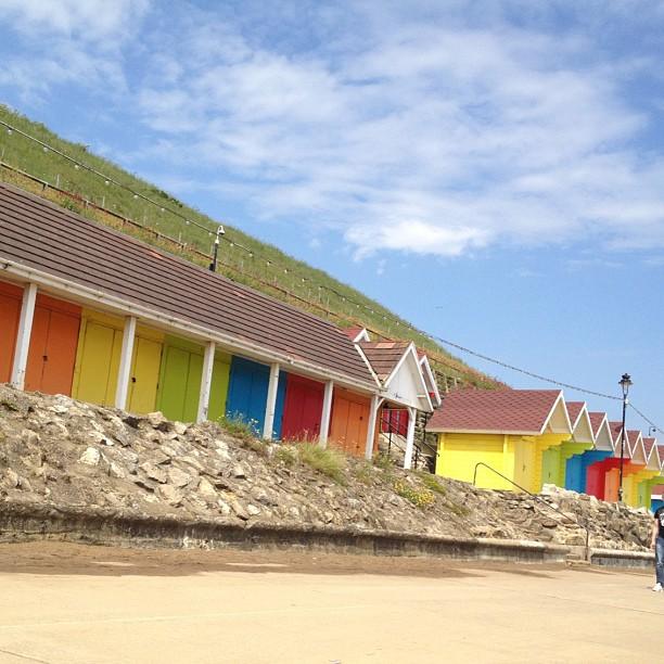 #beachhuts #bright #beach #skyline