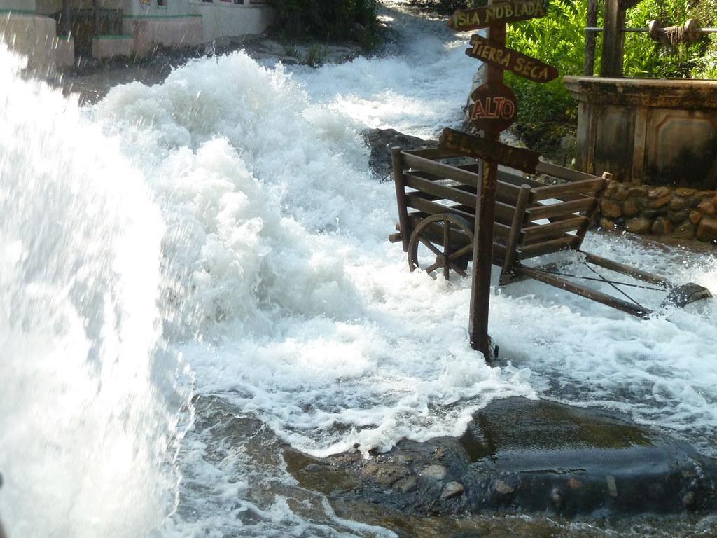 Universal studios tour Так организуют наводнение в мексиканской деревне 2